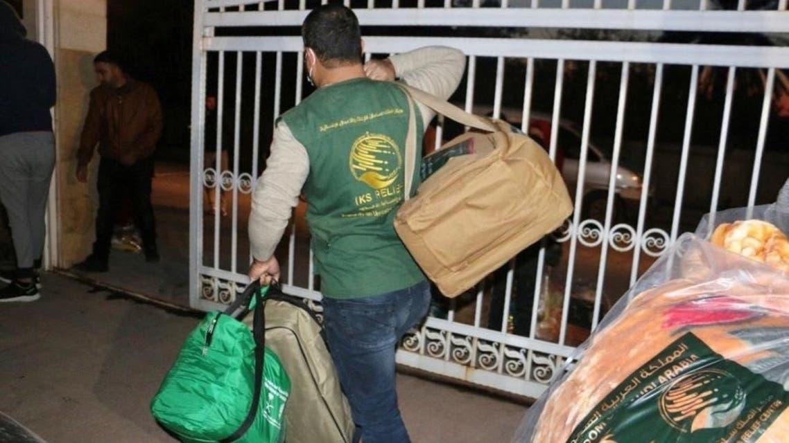 مساعدات عاجلة من مركز الملك سلمان لمخيم اللاجئين السوريين المحترق في المنية في لبنان
