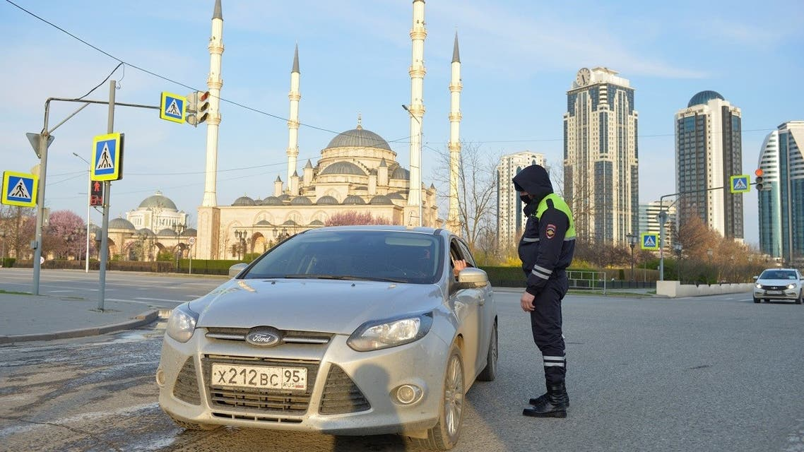 traffic police officer checks a driver's documents in the Chechen capital Grozny, Russia. (File phoo: Reuters)