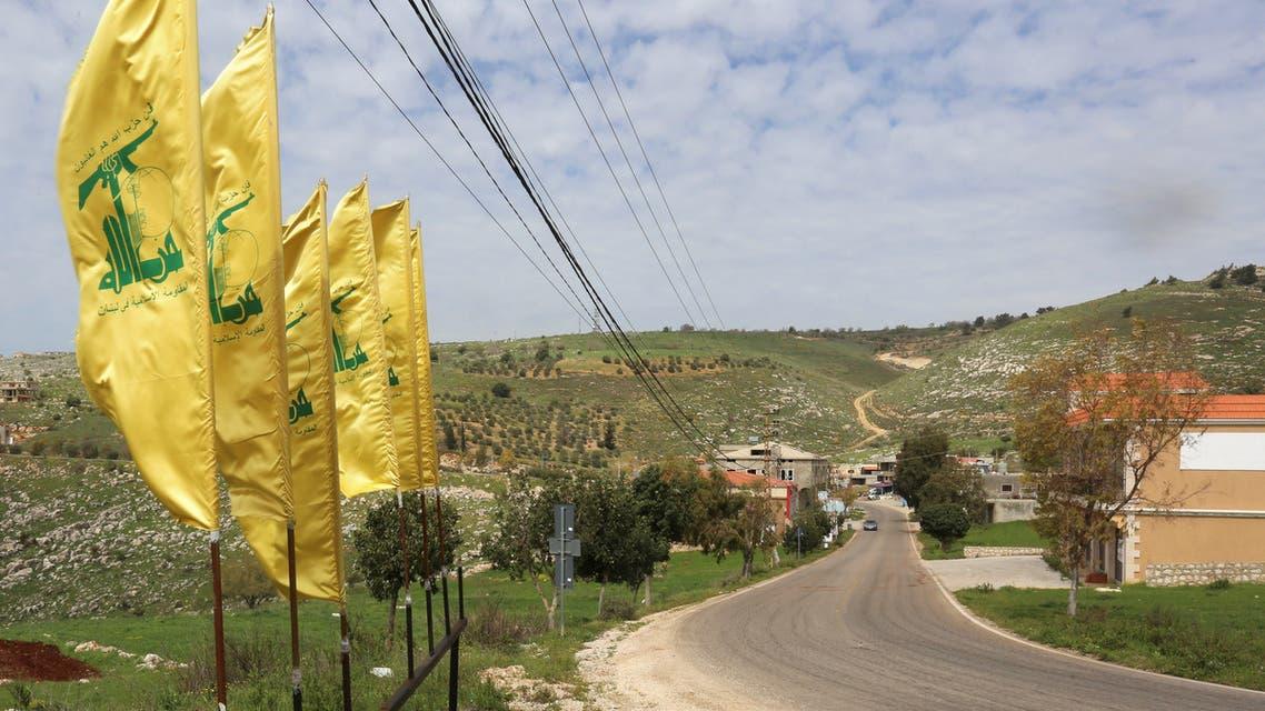 راية حزب الله جنوب لبنان (أرشيفية- رويترز)