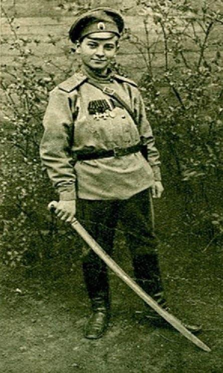 صورة لطفل روسي شارك بالحرب العالمية الأولى