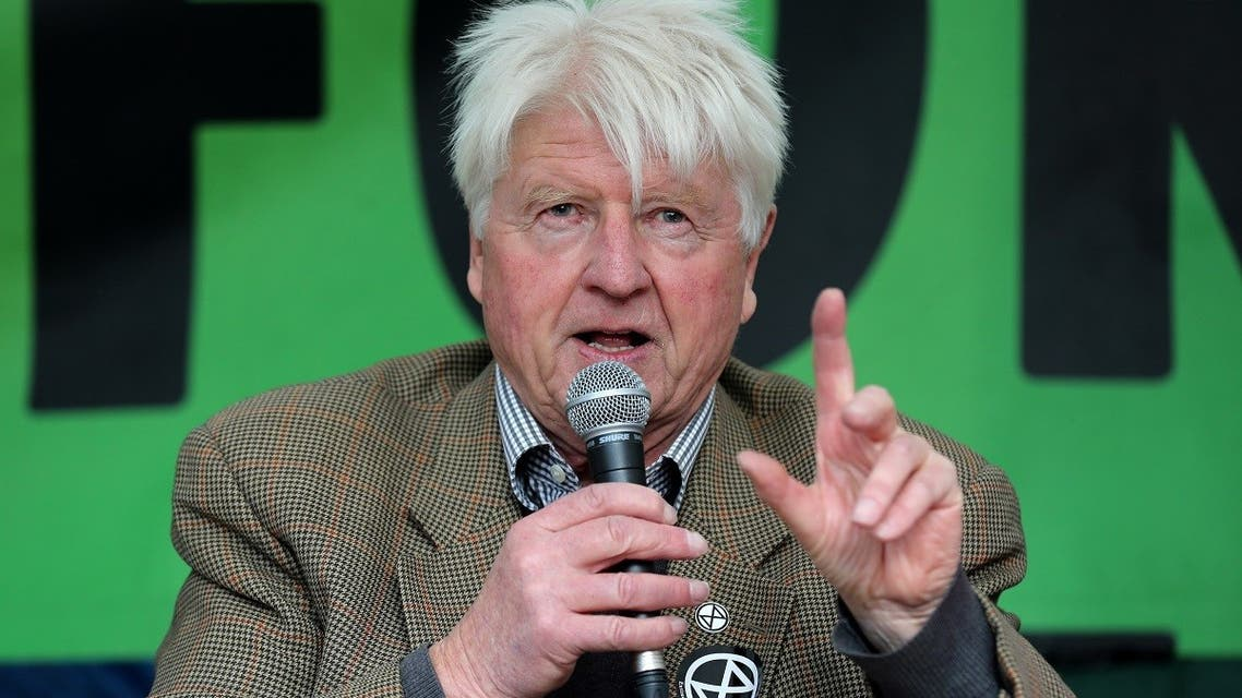 Stanley Johnson, father of Britain's Prime Minister Boris Johnson, addresses activists from a stage at Trafalgar Square. (File photo: AFP)