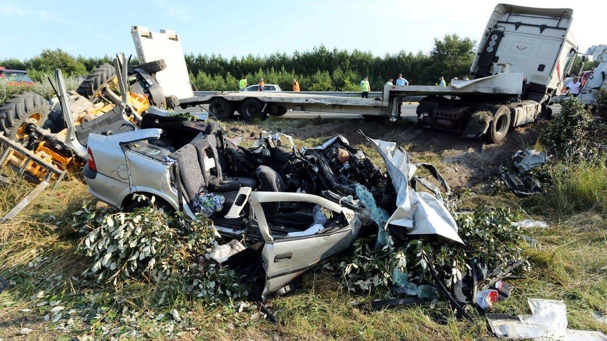 الجزائر.. حادث سير يودي بـ20 شخصاً ويجرح 11 آخرين