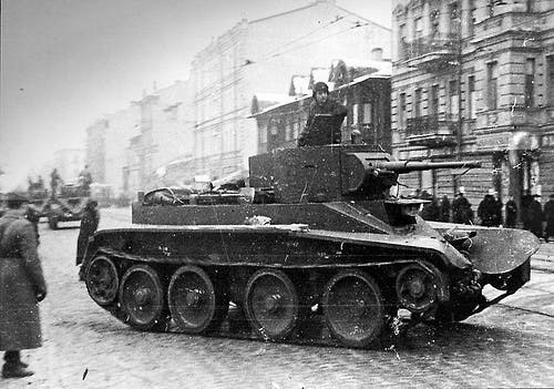 صورة للدبابة بي تي 7