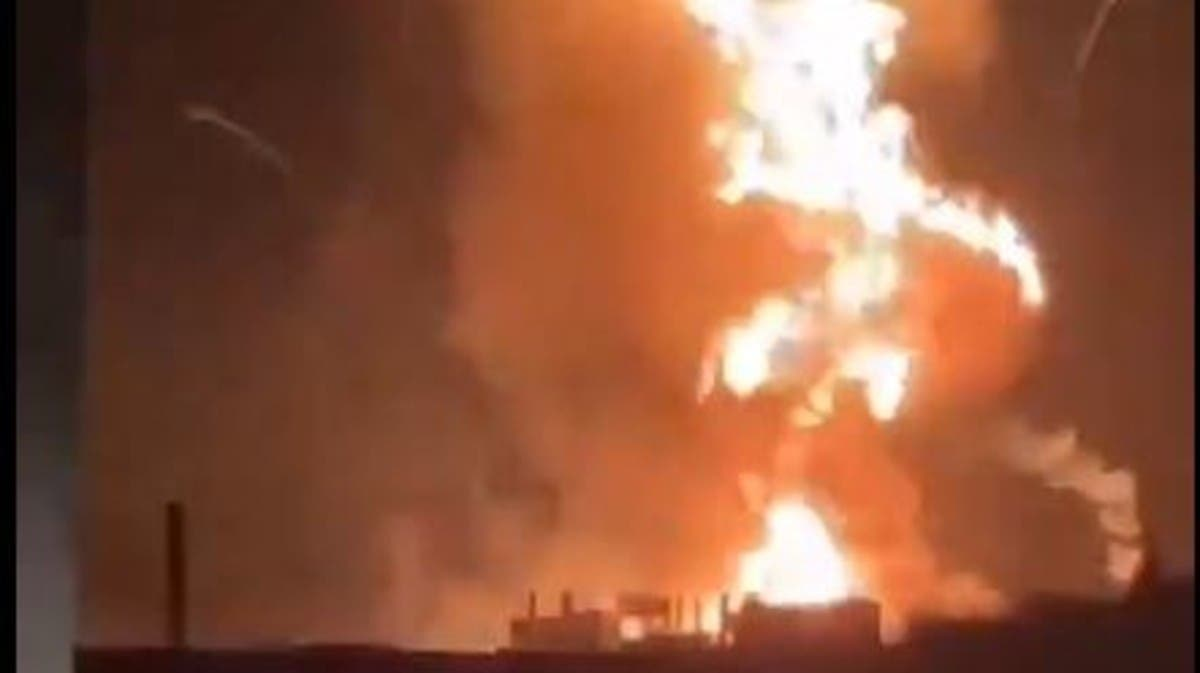 Explosion rocks gas depot in al-Qasr village near Lebanon-Syria border thumbnail