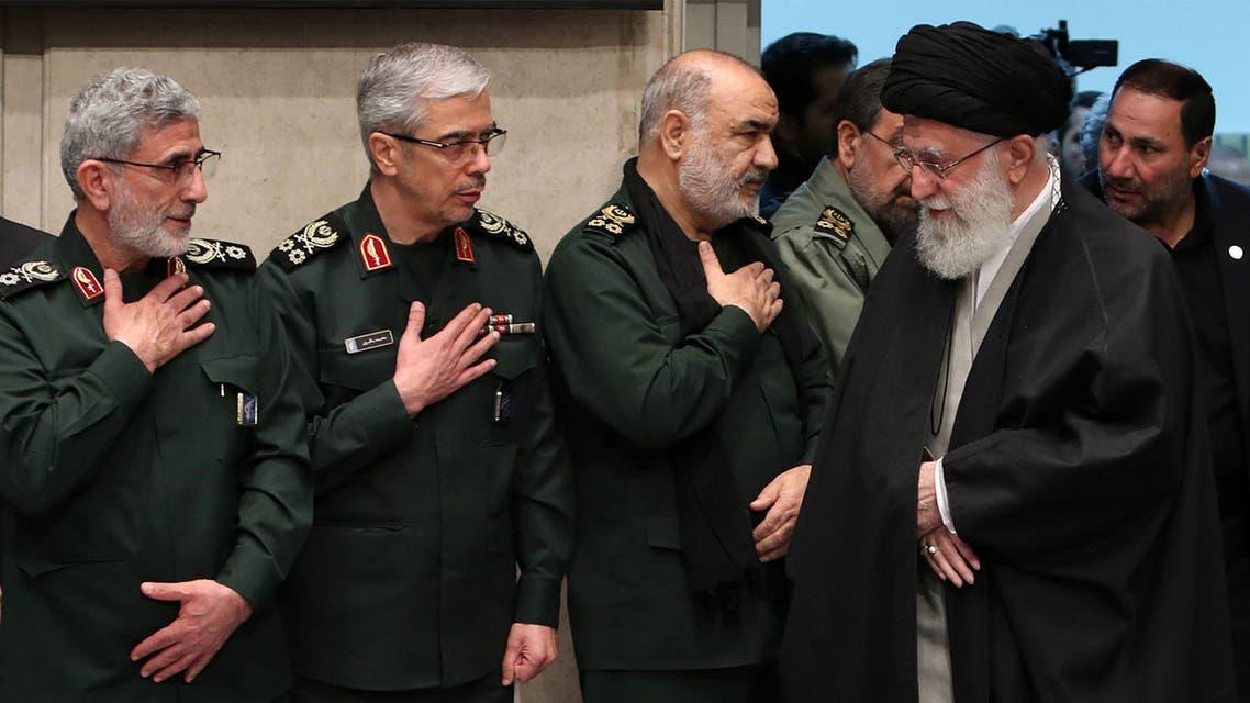 المرشد الإيراني وكبار قادة الحرس الثوري في عزاء سليماني (أرشيفية- فرانس برس)