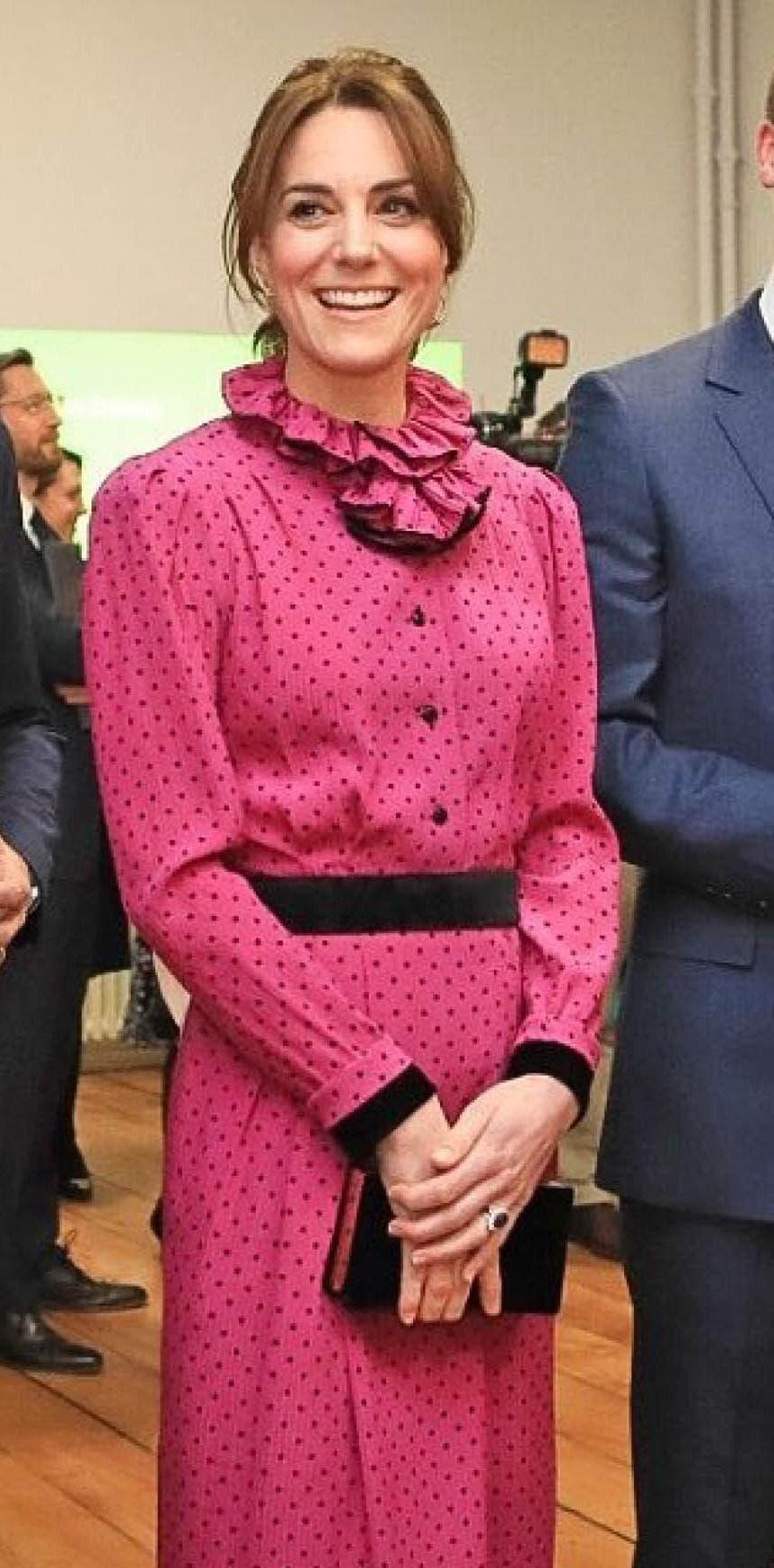 كايت بثوب من أوسكار دي لارينتا يعود تصميمه للعام 1980