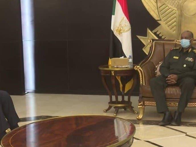 """لبحث ملفات حساسة بينها """"النهضة"""".. مدير مخابرات مصر إلى السودان"""