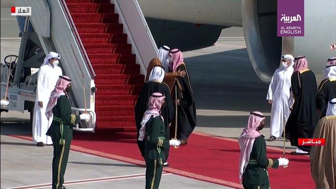 Qatar's Emir Sheikh Tamim bin Hamad al-Thani and Saudi Arabia's Crown Prince Mohammed bin Salman greet each other with a hug at AlUla. (Screengrab)