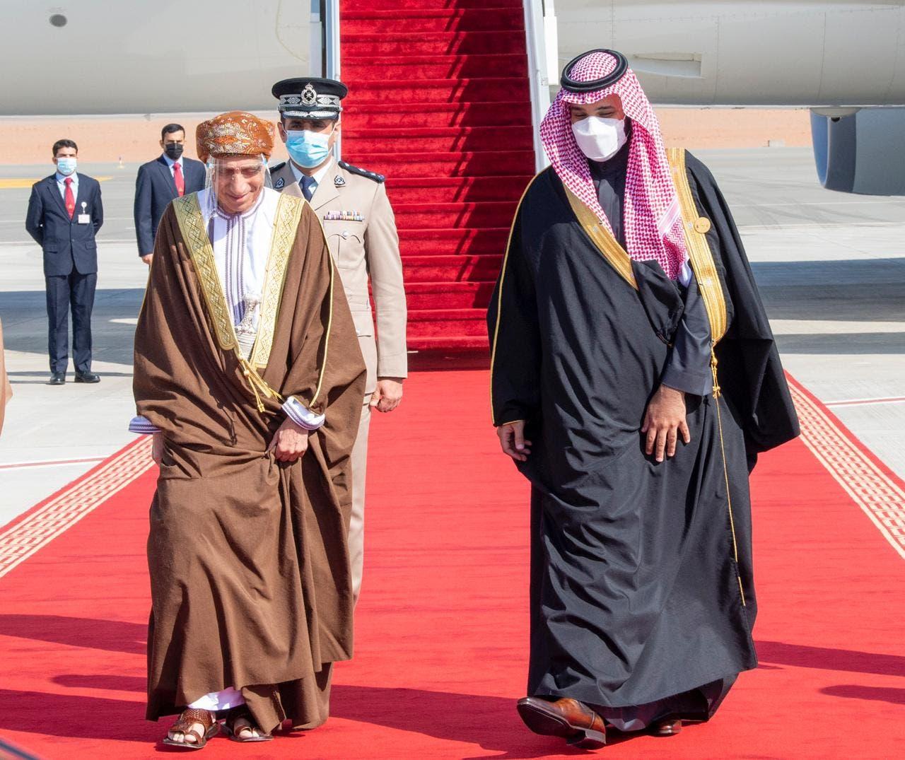 وصول نائب رئيس مجلس الوزراء لشؤون مجلس الوزراء بسلطنة عمان