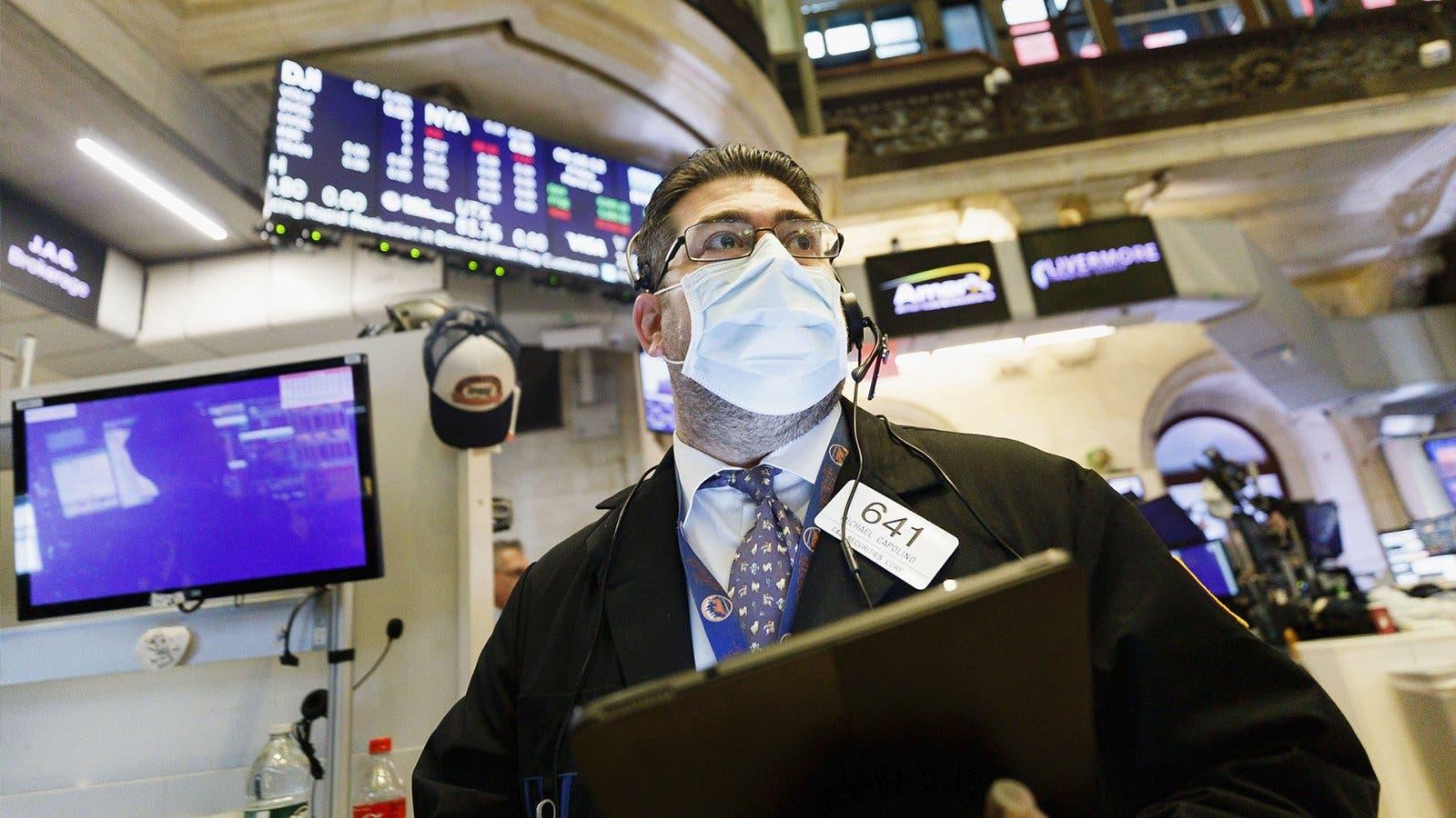 قلق من التضخم بين متداولي الأسهم
