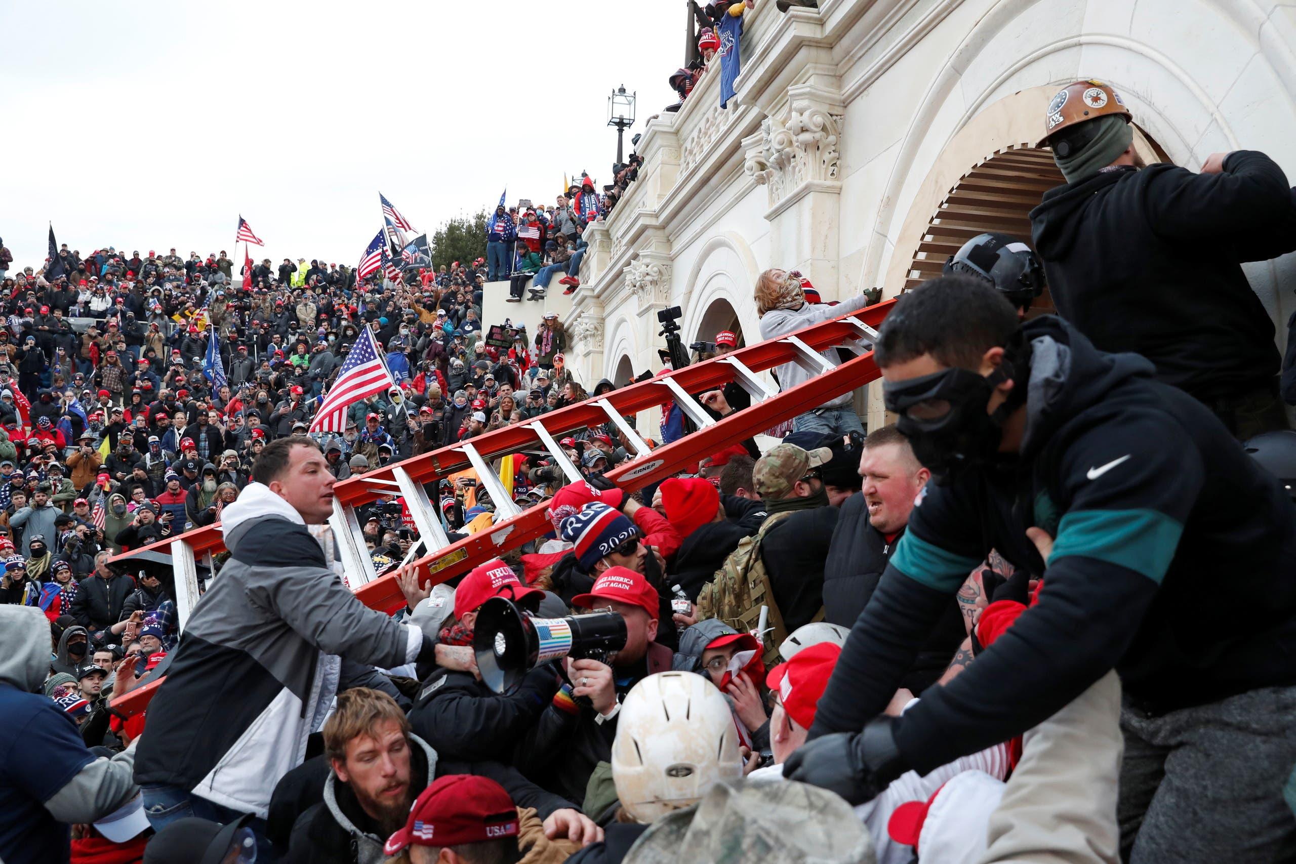 أنصار ترمب اقتحموا مبنى الكابيتول يوم 6 يناير