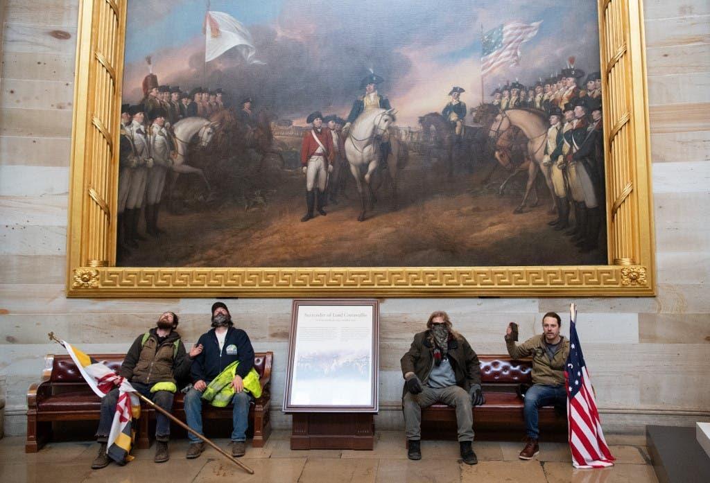أنصار ترمب داخل مبنى الكابيتول في واشنطن -أرشيفية  فرانس برس