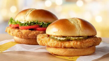 CNBC: حرب شطائر الدجاج تشتعل!
