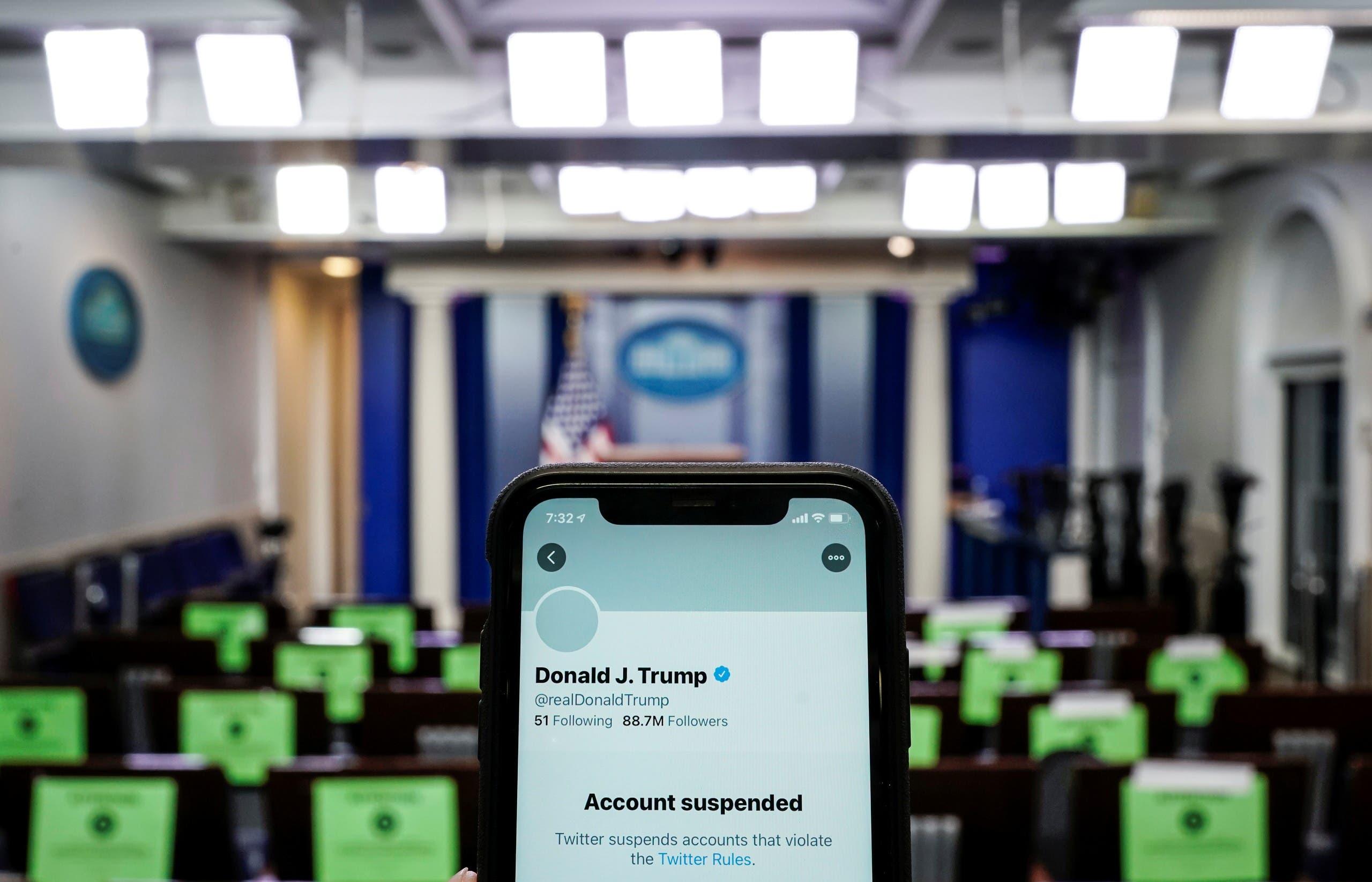 حساب ترمب على تويتر (رويترز)