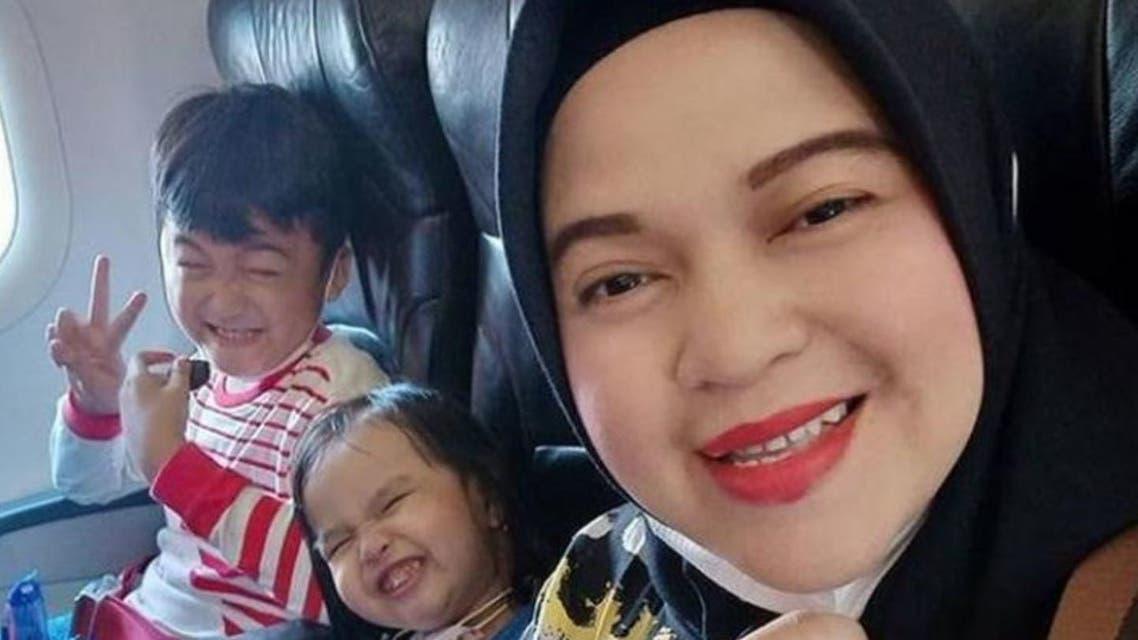 الأم وأطفالها