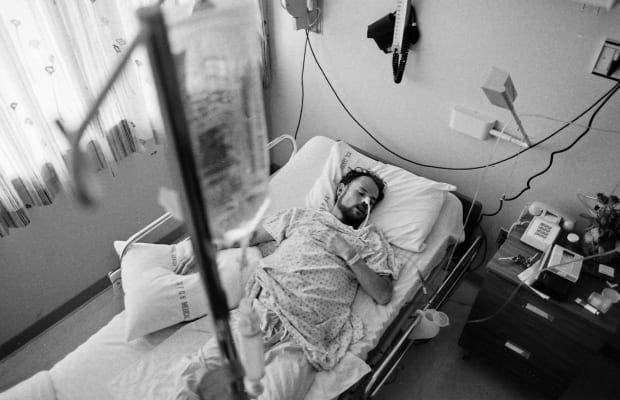 صورة لأحد المصابين بالايدز بأميركا عام 1983