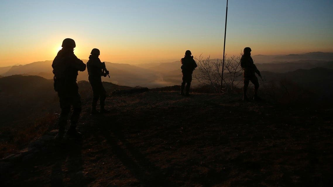 Indian army soldiers patrol at the Line of Control (LOC) between India and Pakistan border in Poonch, about 250 kilometers (156 miles) from Jammu, India. (File photo: AP)
