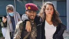 عدن.. تكريم جندي أنقذ متحدثة الصليب الأحمر في هجوم المطار