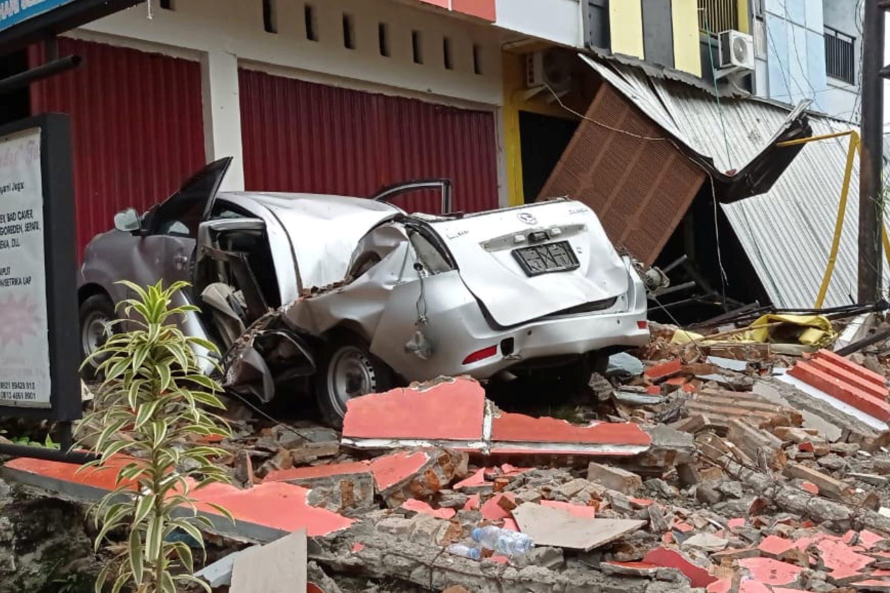 از زلزله در اندونزی