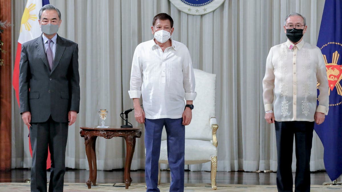 Philippines, China vow cooperation for post-pandemic recovery thumbnail