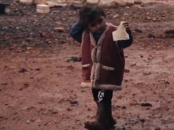 أغرقت خيمهم وشردتهم.. لاجئون سوريون يستغيثون من الأمطار