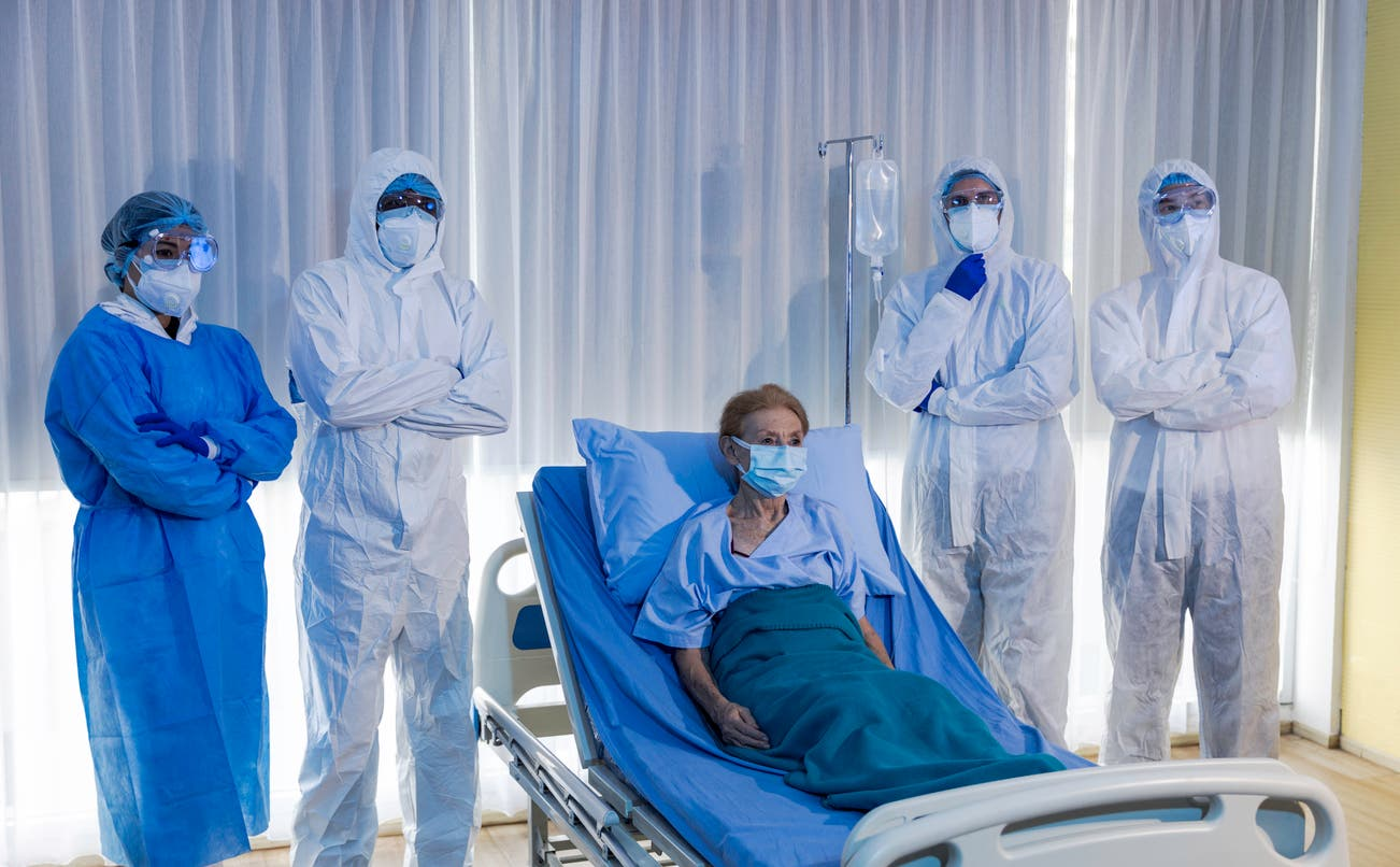 بیمار با تاج - رسا