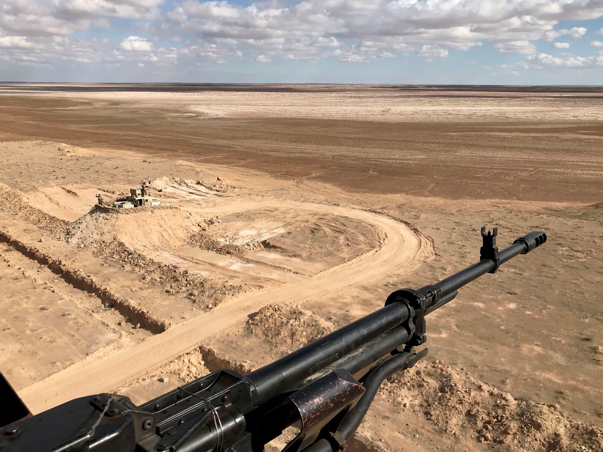 خنادق لحماية الحدود العراقية مع سوريا