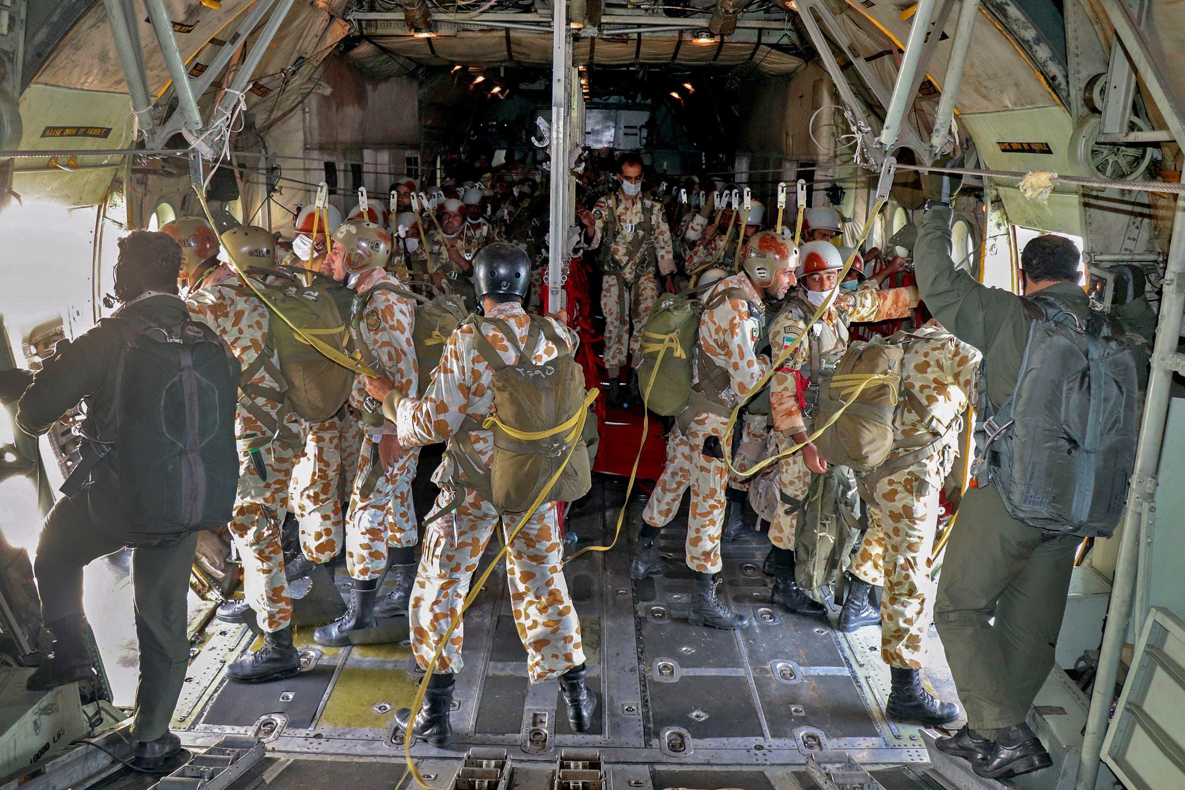 من المناورات العسكرية المتواصلة في إيران