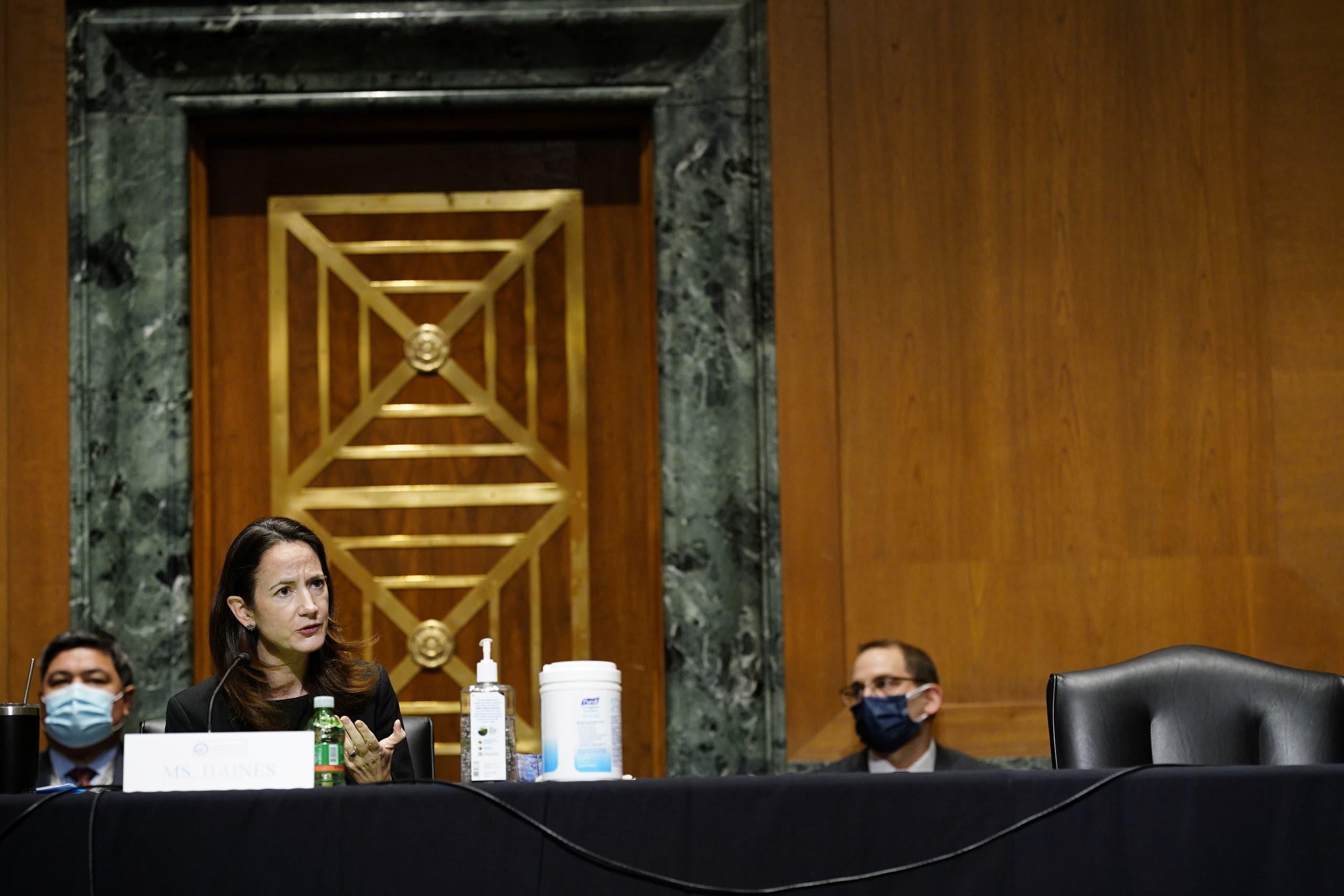 هينز خلال جلسة في مجلس الشيوخ لتثبيتها في منصبها