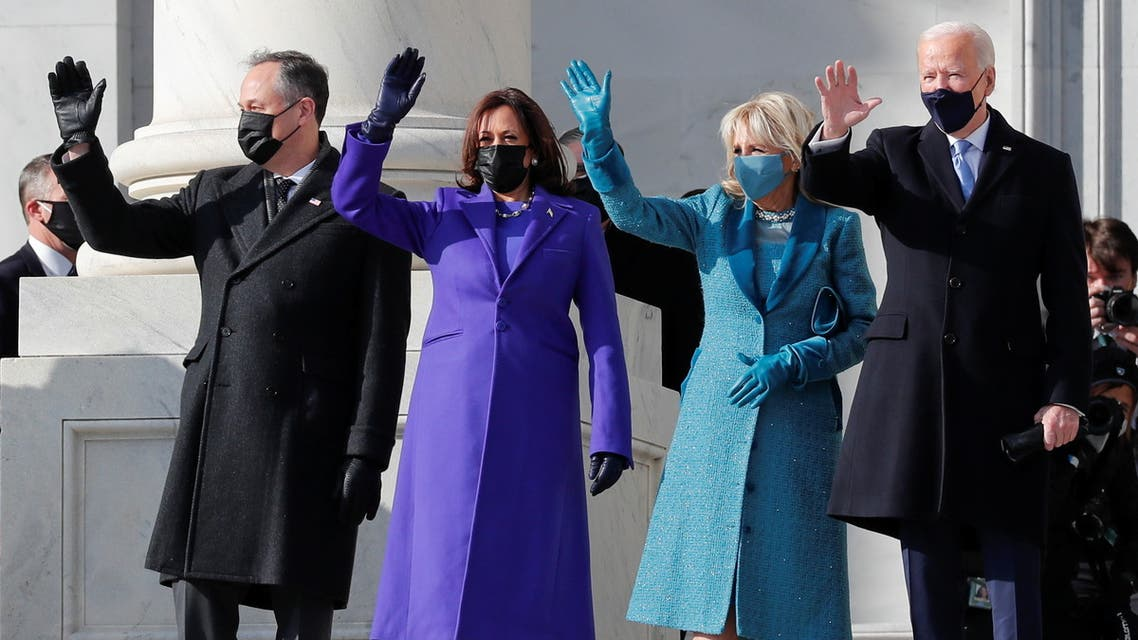 الرئيس جو بايدن وزوجته جيل ونائبته كامالا هاريس وزوجها