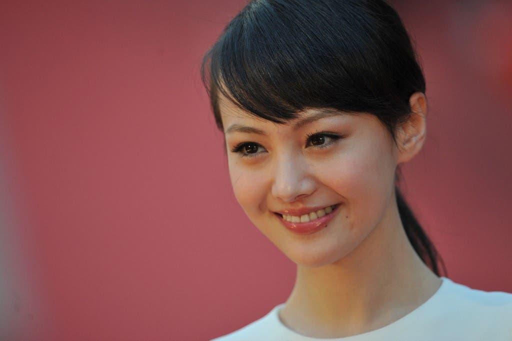 الممثلة الصينية الشهيرة شنغ شوانغ