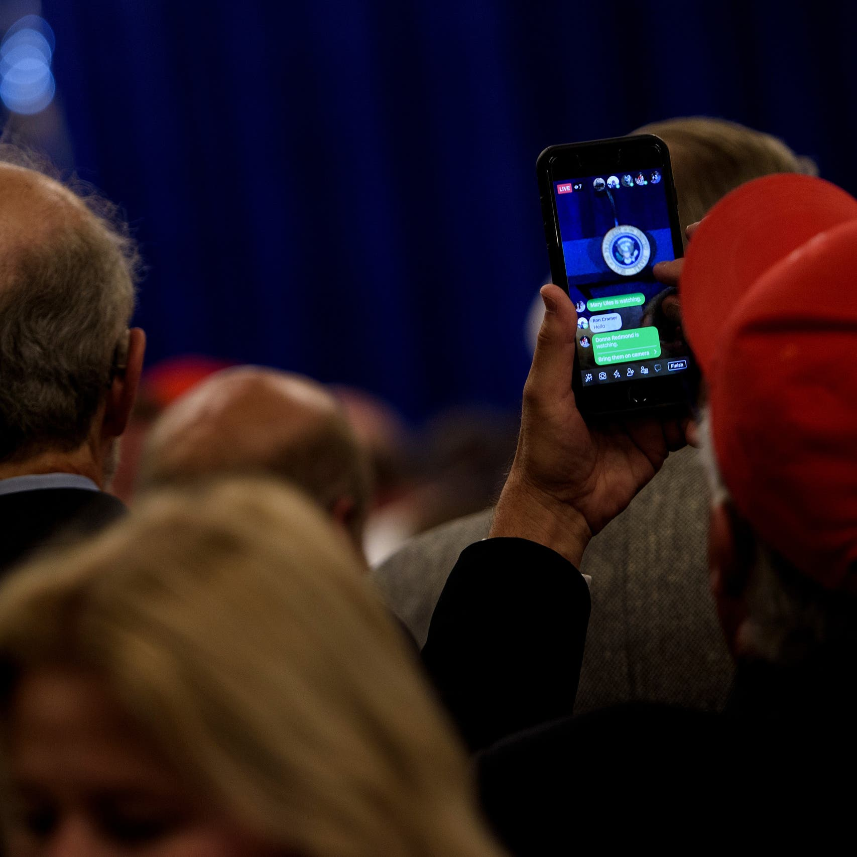 معركة ترمب وفيسبوك لم تنته.. قرار منتظر من لجنة الرقابة