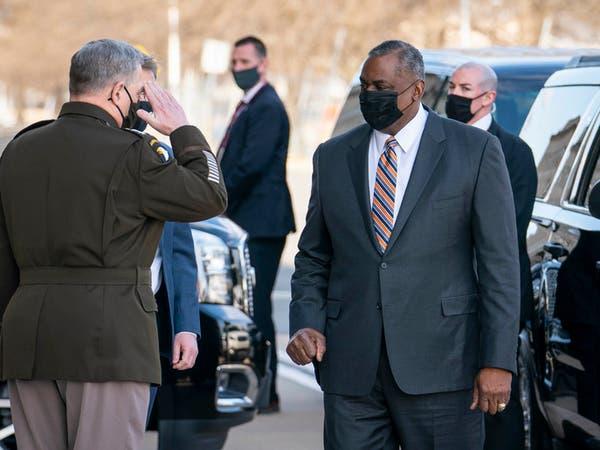 وزير دفاع أميركا يبحث إبقاء قوات في أفغانستان والعراق