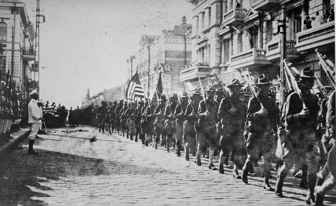 جانب من القوات الأميركية التي تدخلت بالحرب الأهلية الروسية