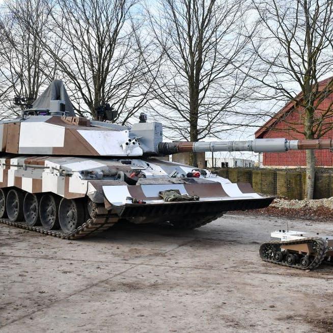 بريطانيا تبحث إمكانية مشاركة فرنسا وألمانيا في تصنيع دبابة مستقبلية