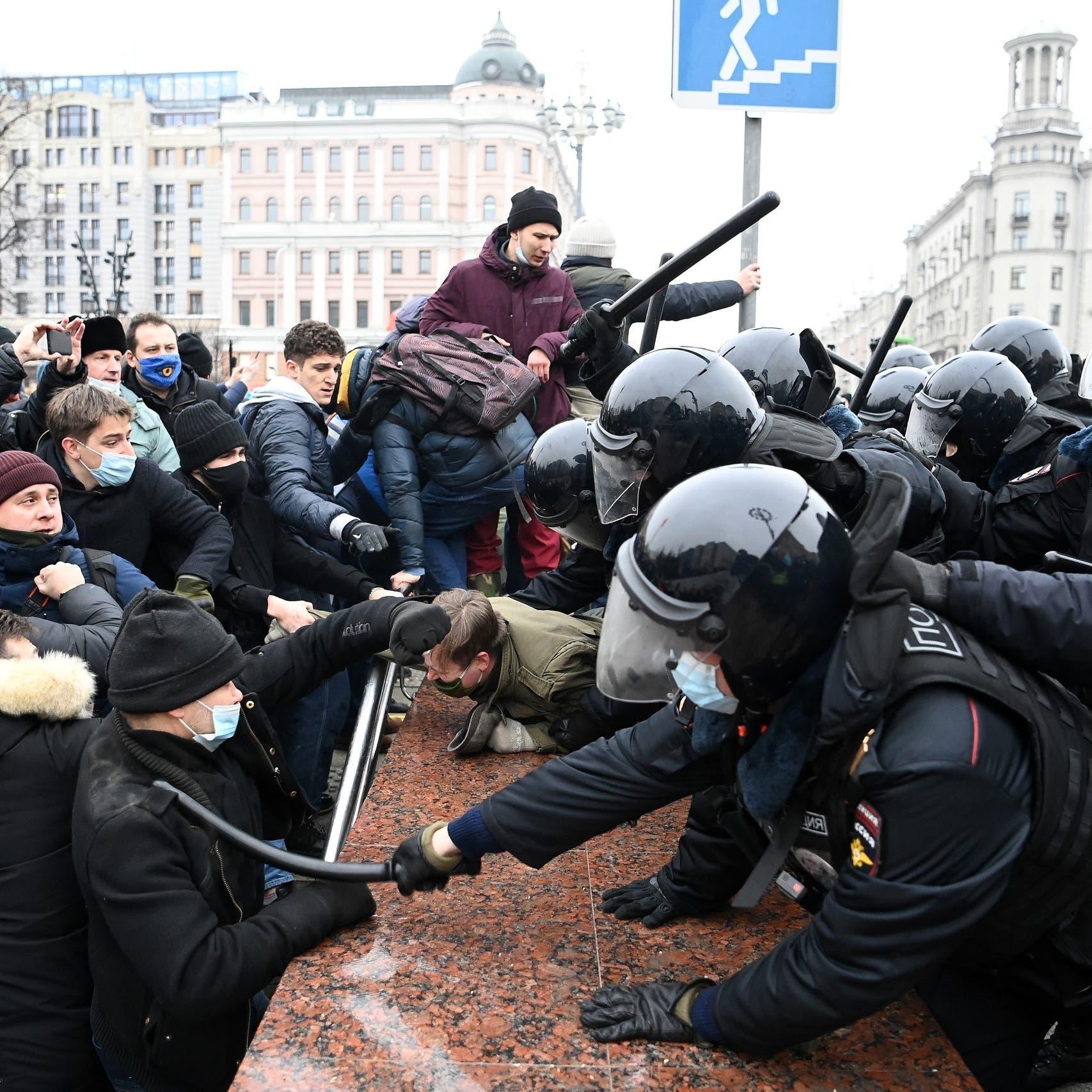 """روسيا تحتج على """"دعم"""" سفارة أميركا لاحتجاجات """"غير مشروعة"""""""