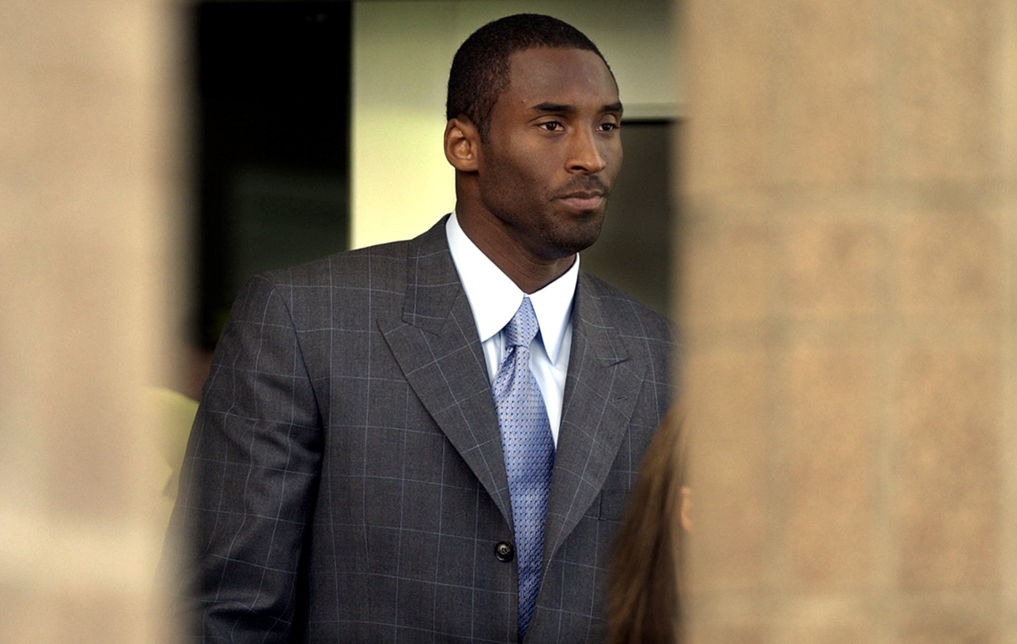 Kobe Bryant leaves court at the Justice Center Tuesday, Aug. 31, 2004 in Eagle ,Colo. after a day of jury selection in his upcoming sexual assault trial. (AP)