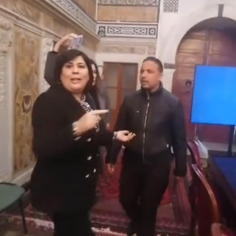 فيديو من تونس.. اعتداء على نائبة تحت قبة البرلمان