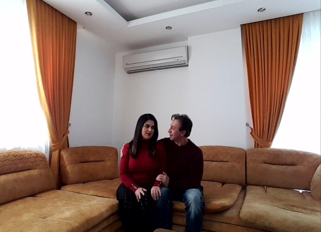 هوشرو ایرانی و همسرش