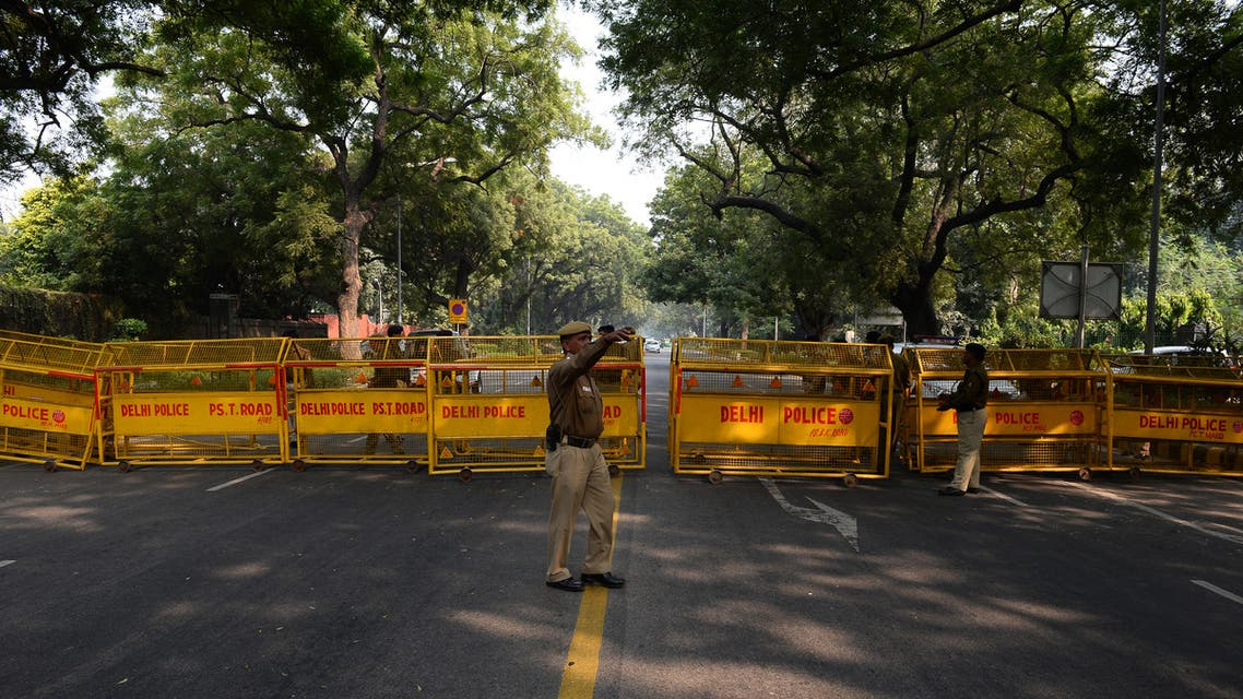 Indian policemen close a road leading towards the Israeli embassy. (File photo: AFP)