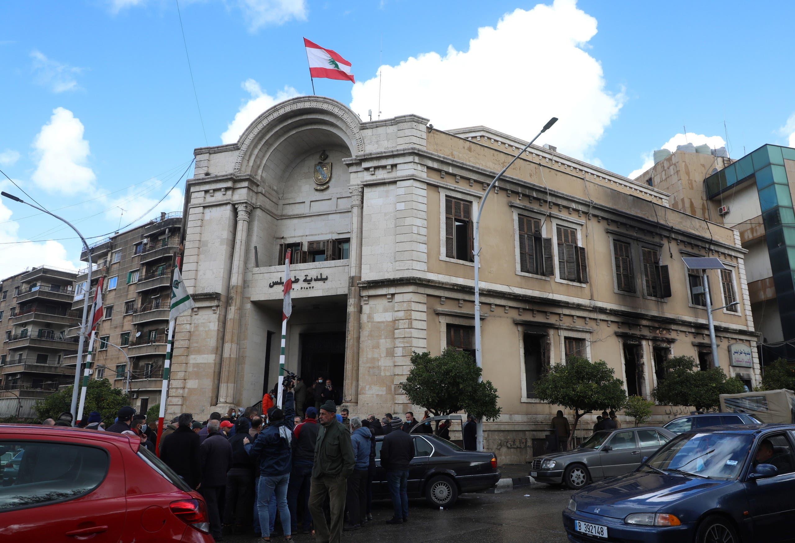 مبنى بلدية طرابلس الذي تم إحراقه