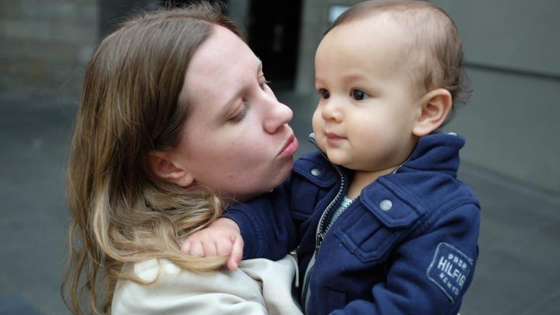 سارة وطفلها اسحق