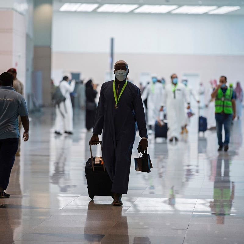 Saudi Arabia's entry ban of travelers from 20 countries officially comes into effect