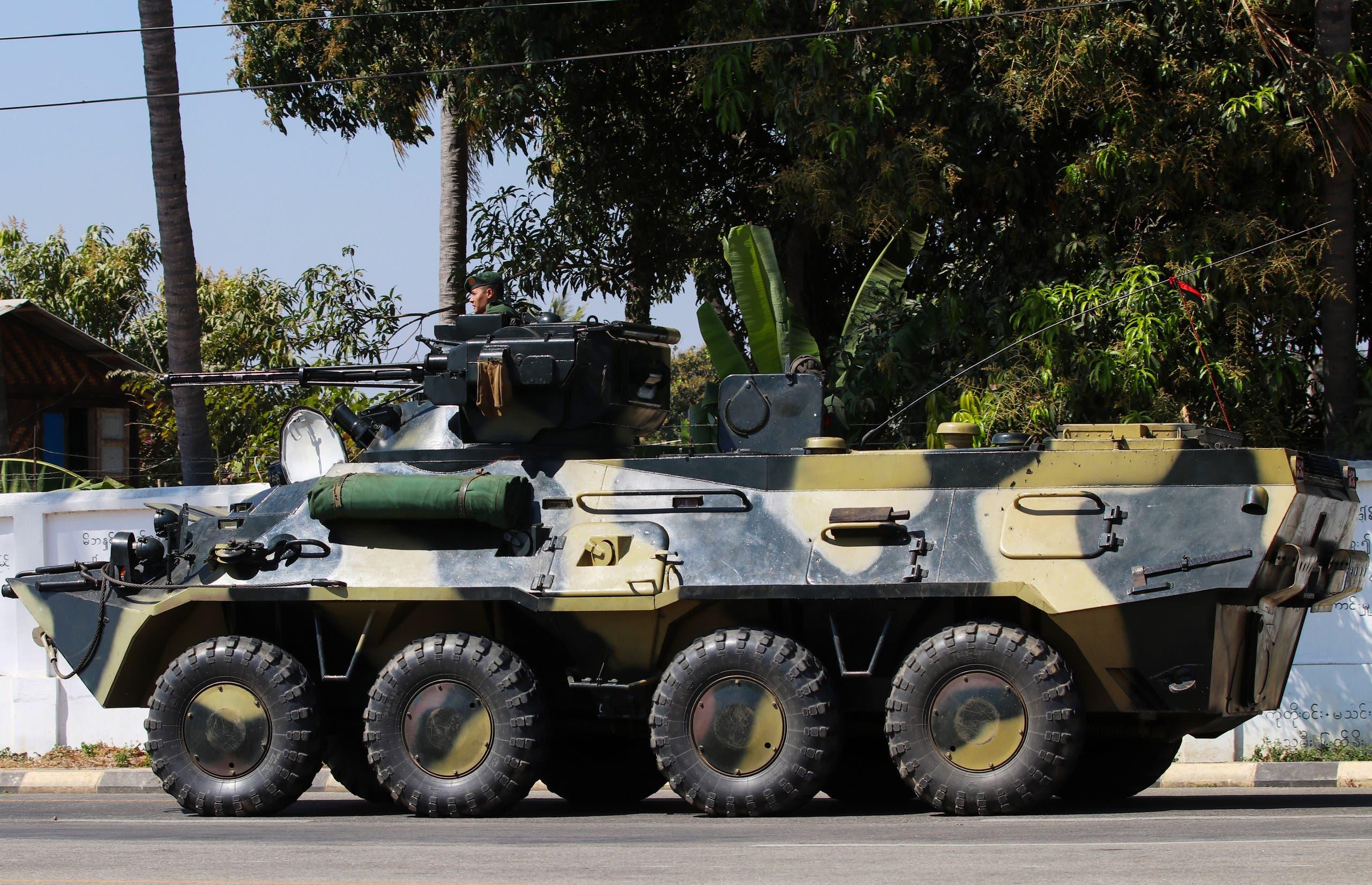 مركبة عسكرية في نايبيداو عاصمة بورما يوم 3 فبراير