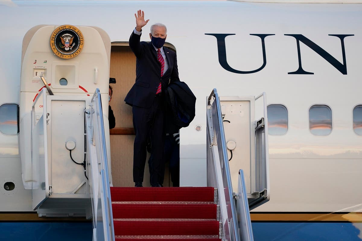President Joe Biden boards Air Force One at Andrews Air Force Base for a weekend trip to his hometown of Wilmington, Delaware, February 5, 2021. (AP)