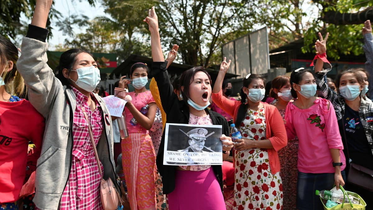 تواصل التظاهرات في أكبر مدن ميانمار ضد الانقلاب العسكري