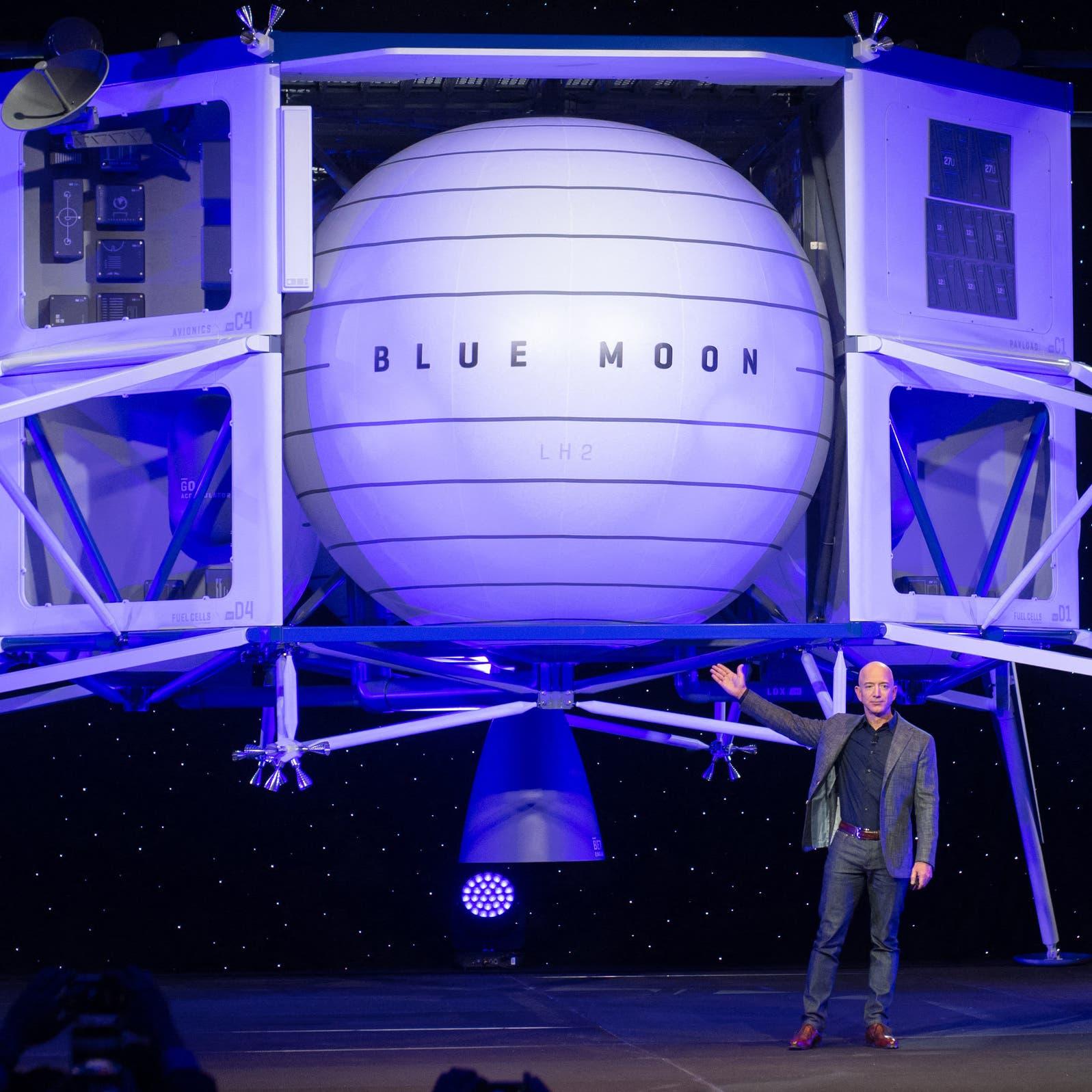حرب الفضاء تستعر بين أغنى رجلين في العالم