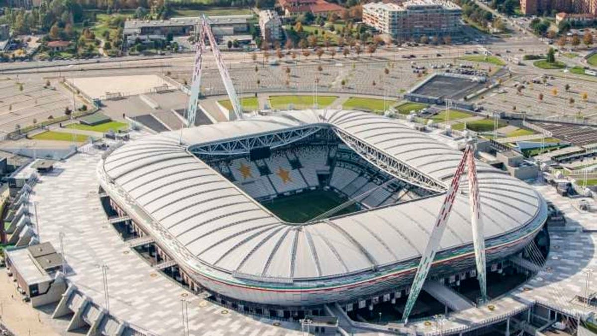 يوروبا ليغ: نقل مباراة سوسييداد ومانشستر يونايتد إلى تورينو