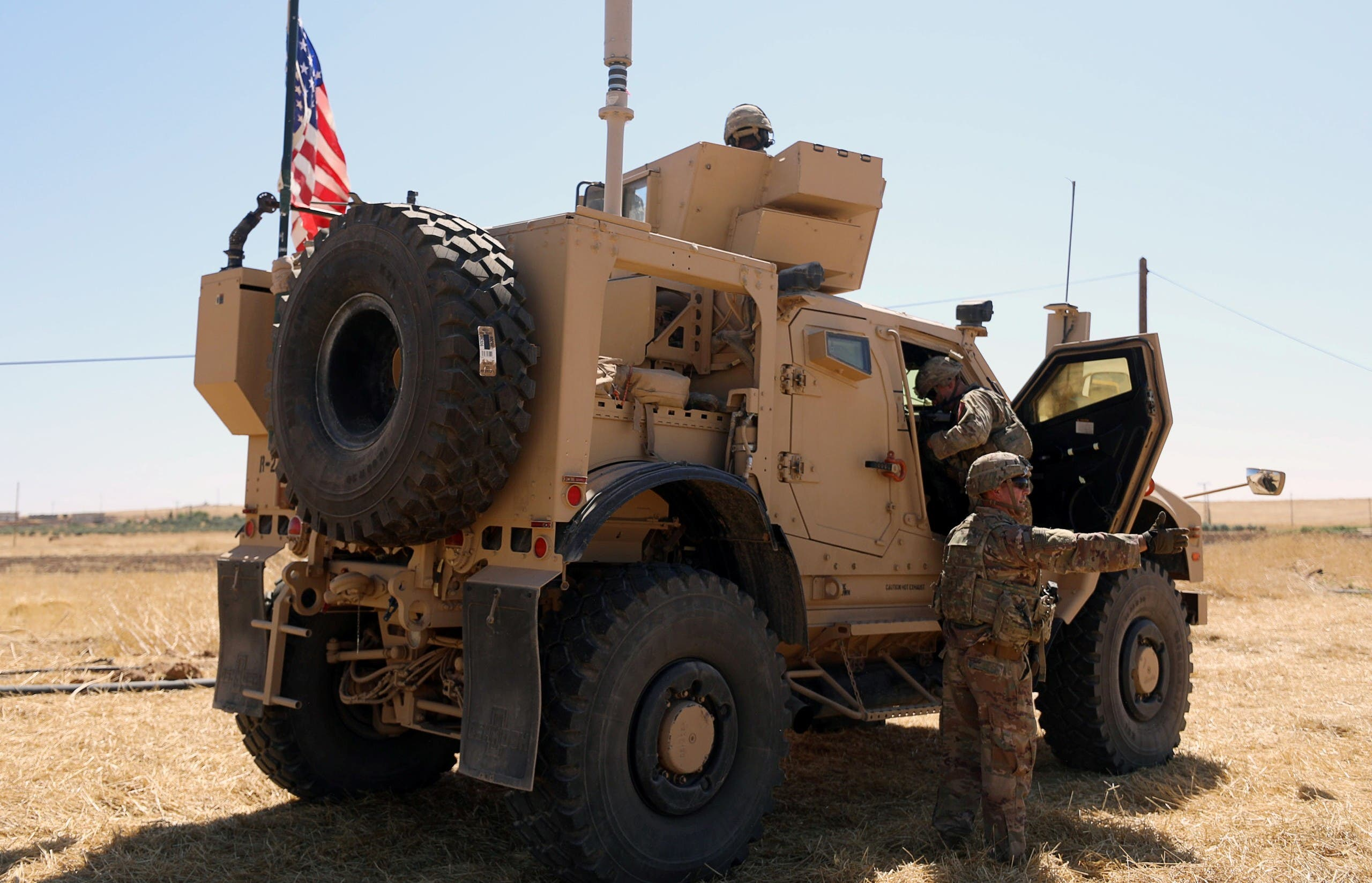 آلية عسكرية أميركية خلال دورية مشتركة مع تركيا في تل أبيض في سبتمبر 2019 (أرشيفية)