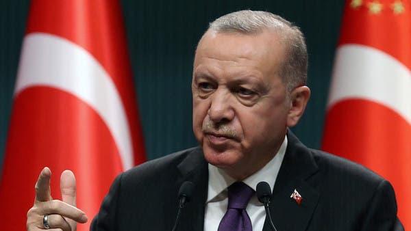 أردوغان يرهب المعارضين.. 30 صحافياً أمام القضاء في شهر
